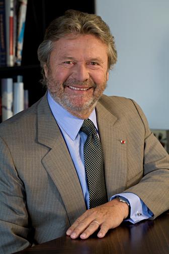 Alain Dominique Perrin