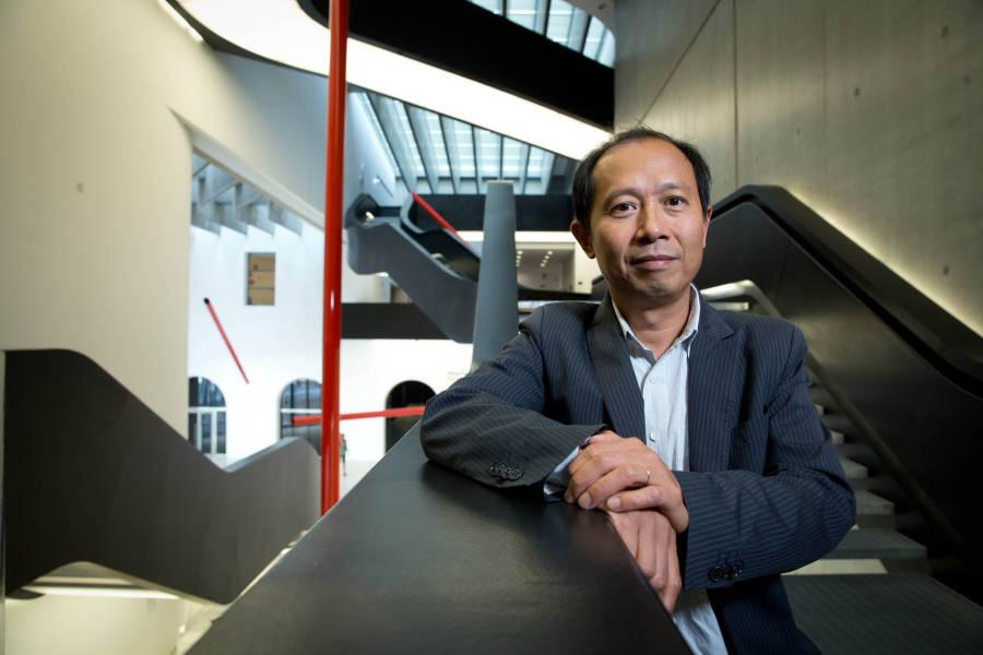 Hou Hanru: nato nel 1963 in Cina
