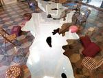 """Il tavolo Love Difference di Michelangelo Pistoletto esposto all'interno della mostra """"I classici del contemporaneo"""" svoltasi dal 24 maggio al 1 novembre 2009. Fotografo : F. Allegretto"""